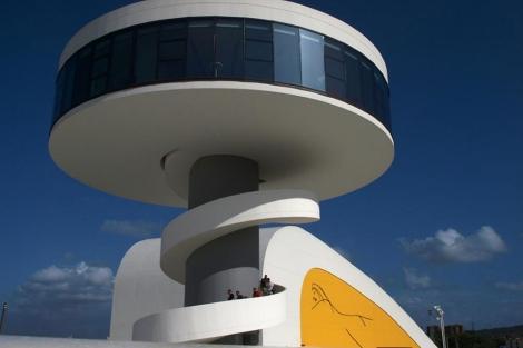 El Centro Niemeyer es el símbolo del Arte y la Cultura de Avilés y comarca