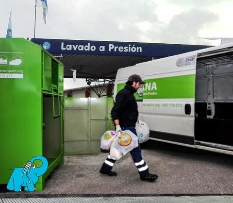 Elefante Azul Aviles - Humana, Conferencia Internacional de VIH/SIDA - Centro de lavado de coches Elefante Azul Avilés